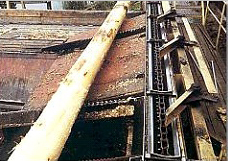 Cradle logs conveyor chain